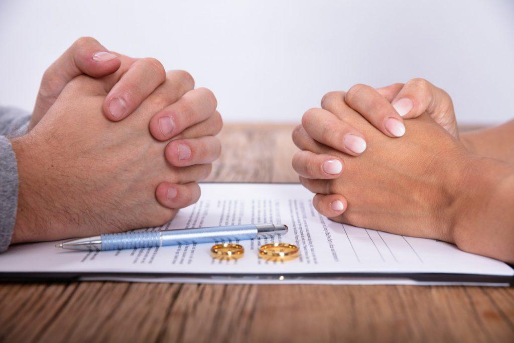 Maintien ou non du nom marital lors du divorce